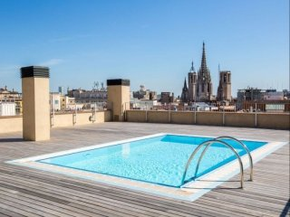 Luxury Central Angel IV apartment in Barrio Gotico with WiFi & lift. - Barcelona vacation rentals