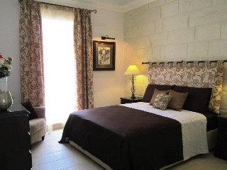 Townhouse Twenty ........ Romantic & Luxurious - Haz-Zebbug vacation rentals