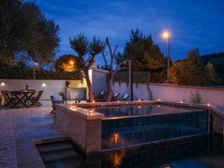 Villa with swimming pool and jacuzzi - Near Trogir - Okrug Donji vacation rentals