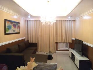 Cozy Victorian 2 Bedroom Robinsons Place Malate - Manila vacation rentals