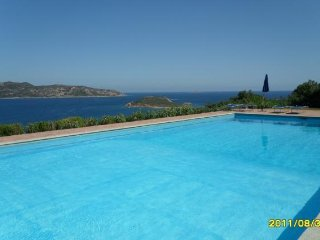 Apartment with super sea view, with pool. - San Teodoro vacation rentals