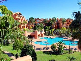Bright 3 bedroom Cancelada Condo with Elevator Access - Cancelada vacation rentals