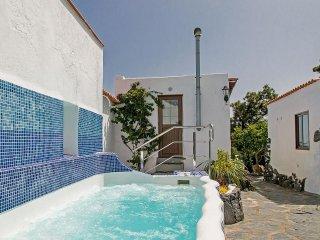 Urige Finca mit 3-5 Schlafzimmer für 6-10 Personen - El Tanque vacation rentals