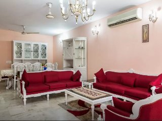 Neat & Clean apartment in South Delhi, with cook - New Delhi vacation rentals