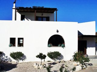 Spacious 4 bedroom Maritsa House with Television - Maritsa vacation rentals