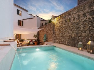 Townhouse with private pool in Pollensa-Mallorca - Pollenca vacation rentals