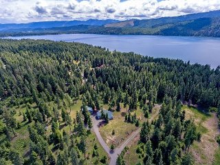 Bear Creek Retreat! 22 Acres on Lake Cle Elum | Slps 14 - Ronald vacation rentals