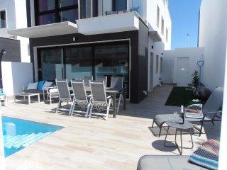VILLA 3 SLAAPKAMERS MET PRIVÉ ZWEMBAD - San Pedro del Pinatar vacation rentals