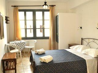 "Studio Apt ""Ninemia"" 10' walk to Chersonisos Beach - Koutouloufari vacation rentals"