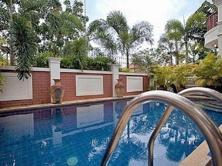VILLA 5 CHAMBRES PISCINE PROCHE WALKING STREET - Pattaya vacation rentals