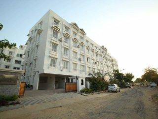 Cozy 3 bedroom Ahmedabad Condo with Internet Access - Ahmedabad vacation rentals