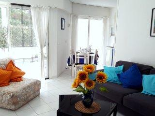 Appartement bord de mer Var - Saint Raphaël vacation rentals