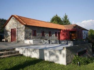Casa da Pereira Azeda - Penafiel vacation rentals