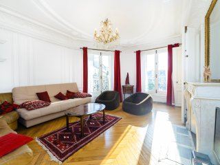 Spacious 95m2 family flat in the 10th arr - Paris vacation rentals