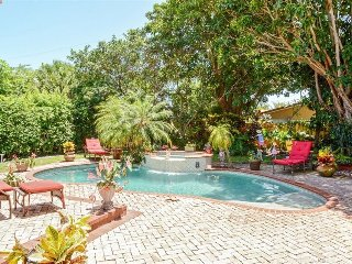 Luxurious 3 Bedroom 3 Bath Tropical Pool Oasis! - West Palm Beach vacation rentals