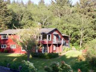 Fabulous Pet Friendly Getaway in Cannon Beach - Cannon Beach vacation rentals