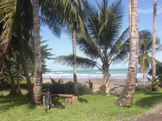 Beautiful 2 bedroom house 150m from the beach - Cahuita vacation rentals