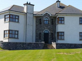 Spacious luxury detached house on an acre. - Carlingford vacation rentals