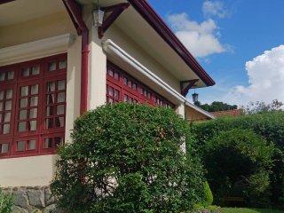 O encantador Solar Dois Esquilos - Campos Do Jordao vacation rentals