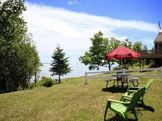 Sweet cottage with unrivaled ocean views - Owls Head vacation rentals
