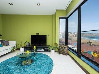 Sea Views Beach Apartment for 4 - Las Palmas de Gran Canaria vacation rentals