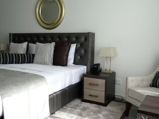 Signature Holiday Homes- Luxury 3 Bedroom Apartmen - Dubai vacation rentals
