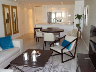 Signature Holiday Homes- Luxury 1 Bedroom Apartmen - Dubai vacation rentals