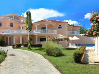 Private 6 bedroom villa great for parties and get togethers - Sosua vacation rentals