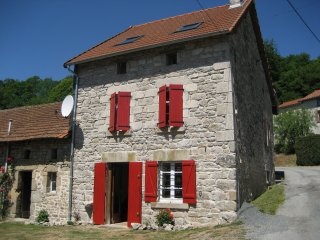 Delightful, dog-friendly stone house in Creuse - Bourganeuf vacation rentals