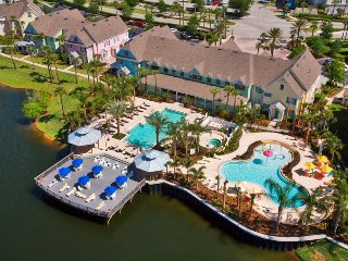 R1 Luxury resort,3 miles to Disney, Great 3 bd,& more - Kissimmee vacation rentals
