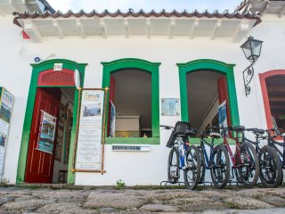 charmming guest house in old town of paraty - Trindade vacation rentals