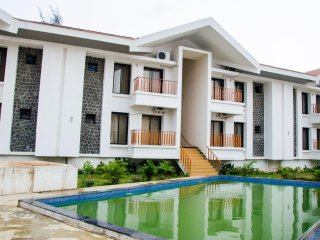 Convenient 1 bedroom Khandala Condo with Internet Access - Khandala vacation rentals