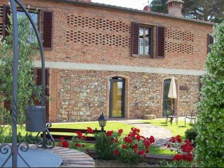 2 bedroom Farmhouse Barn with Internet Access in Pancole - Pancole vacation rentals