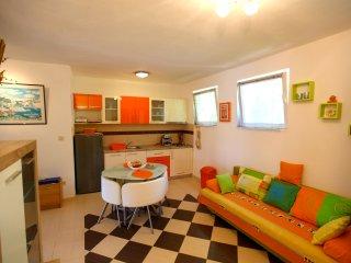 Comfortable 2 bedroom Hvar Condo with Internet Access - Hvar vacation rentals