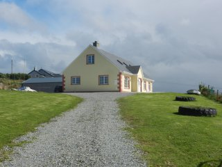 Spacious 6 bedroom House in Malin Head - Malin Head vacation rentals