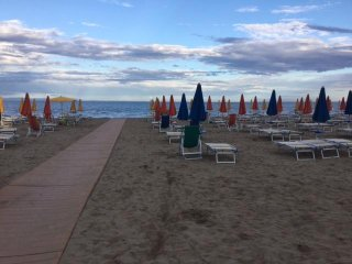 Monolocale 2 persone-3° piano con ascensore-50 mt dal mare-aria condizionata - Lignano Riviera vacation rentals