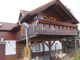 komplettes & großes Ferienhaus Ferienwohnung | 100m² - 2 Etagen - bis zu 6 Pers. - Nidda vacation rentals