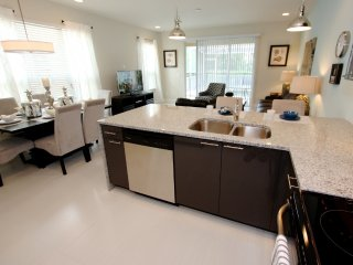 Quiet End Unit, 3 Bed 3 Bath Townhouse With Pool - Clermont vacation rentals