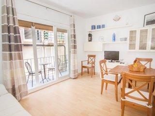 MONEMBASIA with AC, wifi and close to the beach - Sitges vacation rentals