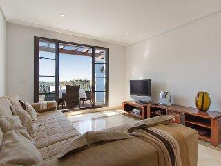 Bright 2 Bedroom Penthouse With Views R129 - Benahavis vacation rentals