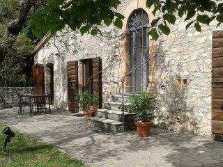 App. Le Pietre in Agrituismo Acquaviva - Todi vacation rentals