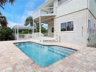 Dune Nuttin, 5 Bedrooms, Private Pool, Sleeps 12 - Saint Augustine vacation rentals