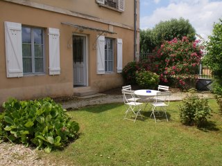 Cozy 2 bedroom Gite in Avallon - Avallon vacation rentals