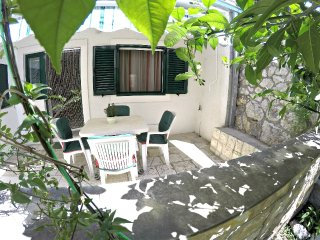 VANJA Apartment 2+2 Garden - Omis vacation rentals