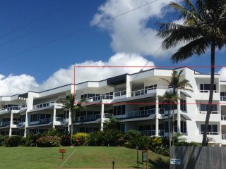 3 bedroom Condo with Washing Machine in Wongaling Beach - Wongaling Beach vacation rentals