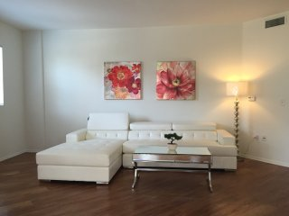 2 bedroom Apartment with Internet Access in West Hollywood - West Hollywood vacation rentals
