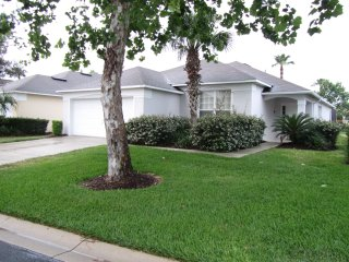 Orlando / Disney 4 Bedroom 3 bathroom with pool - Davenport vacation rentals