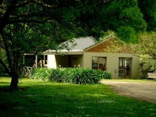 Stony Creek Cottages - Monterosso Villa - Red Hill vacation rentals