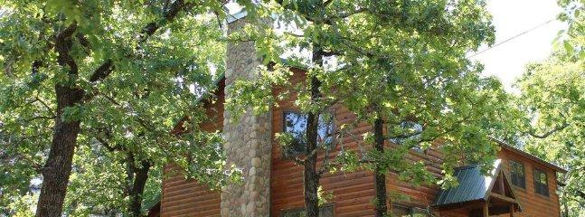 Little Pines (Sleeps 10) Pets Allowed - Broken Bow vacation rentals