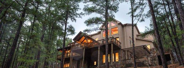 Wildhorse Lodge (Sleeps 15 ) No Pets - Broken Bow vacation rentals